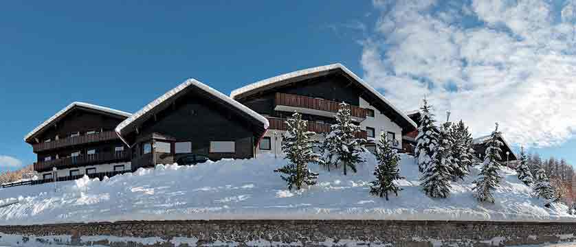 italy_livigno_hotel-alexander_exterior.jpg
